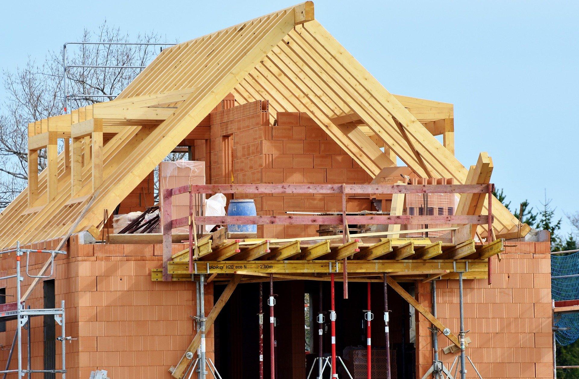 Budowa domów.